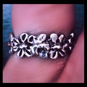 Jewelry - Vintage .925 Silver Daisy Ring